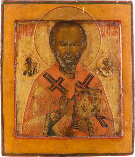 TWO ICONS: SAINT NICHOLAS OF MYRA AND LARGE FESTIVE ICON - photo 2