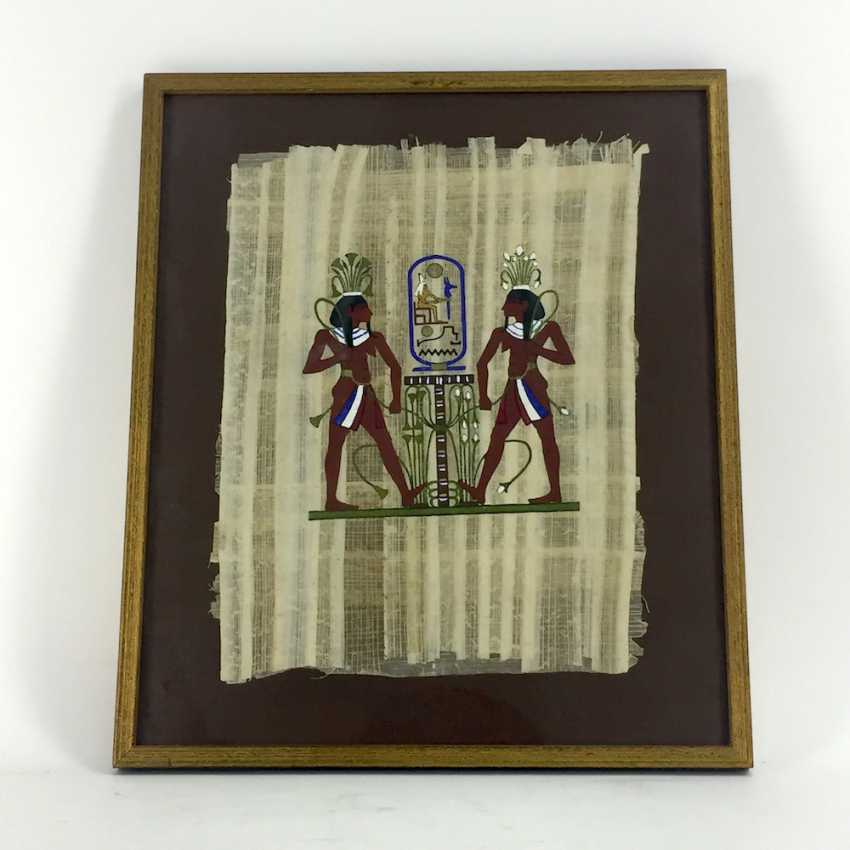 Papyrus / earthy colours on Papyrus: Egyptian display, behind glass in the frame, mid 20's. Century, very good. - photo 2