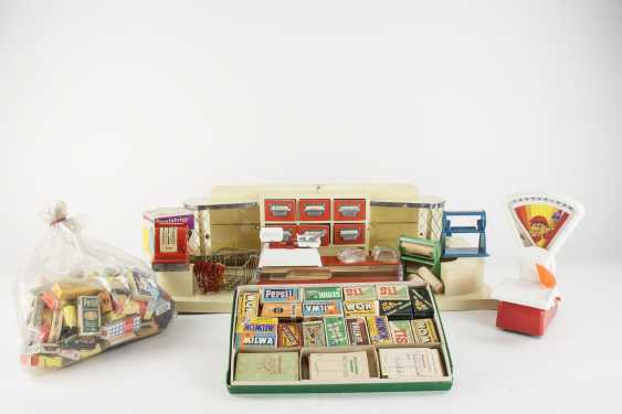 Old merchant store with extensive range of accessories - photo 1