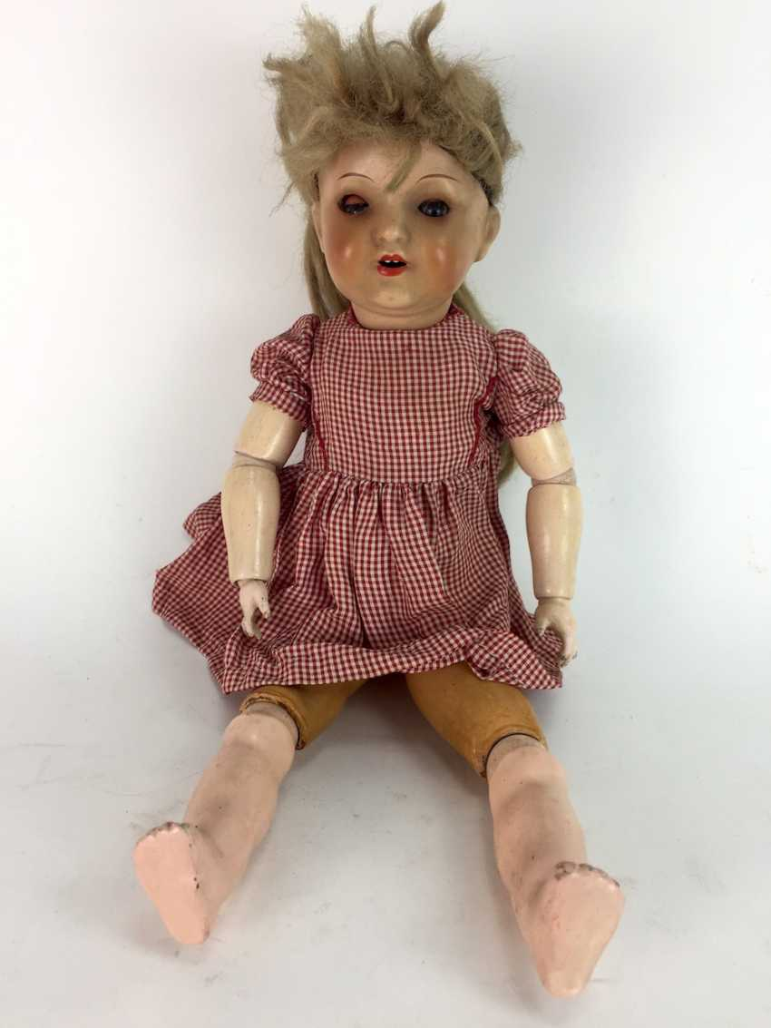 Heubach doll köppel village: 342 - 4/0 Germany, 45 cm, bisque porcelain, pulp and wood, dressed, around 1920, very nice. - photo 1