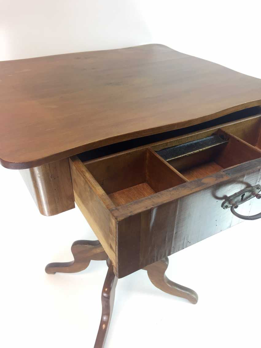 Art Nouveau sewing table: walnut bright, lacquered, rectangular body, turned legs, four legs, a boost to the 1920's. - photo 4