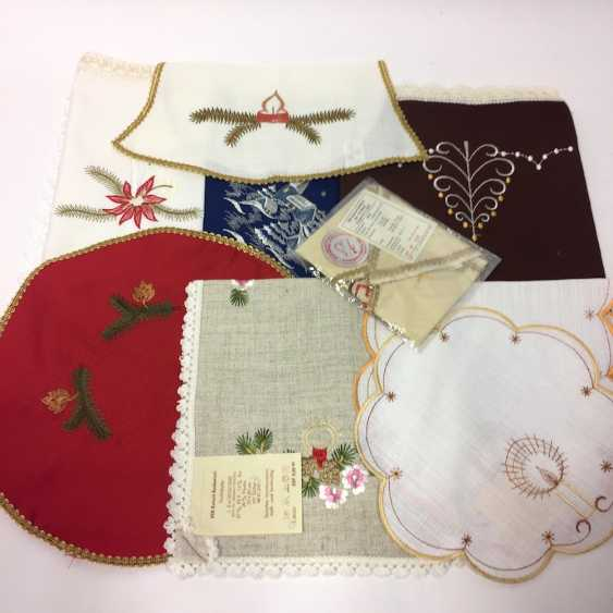 Vintage Christmas Ceiling ceiling: 1 Medium, 1 runner, 7 Cover (round, square, star, bell), unused, in original packaging. - photo 1