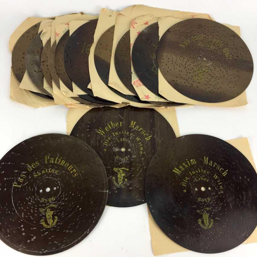 Polyphon / Symphonium / music box / roll box with 14 very beautiful perforated plates, walnut, CA 1900, Leipzig, very good! - photo 5