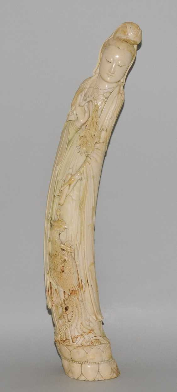 A Large Ivory Figure - photo 2