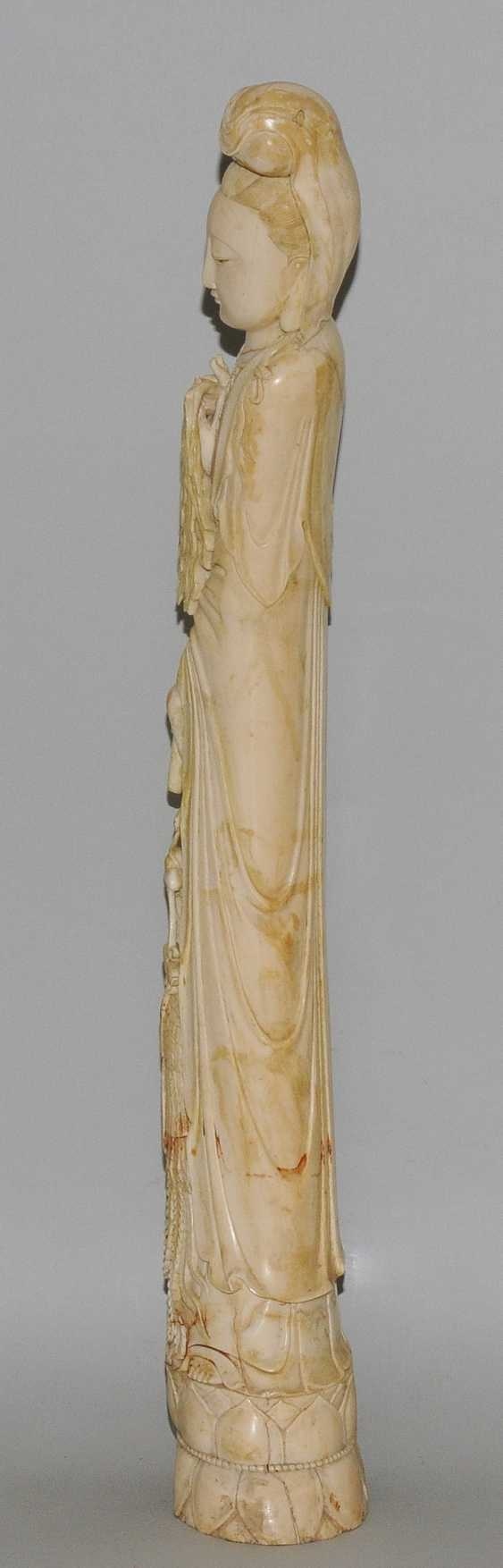 A Large Ivory Figure - photo 6