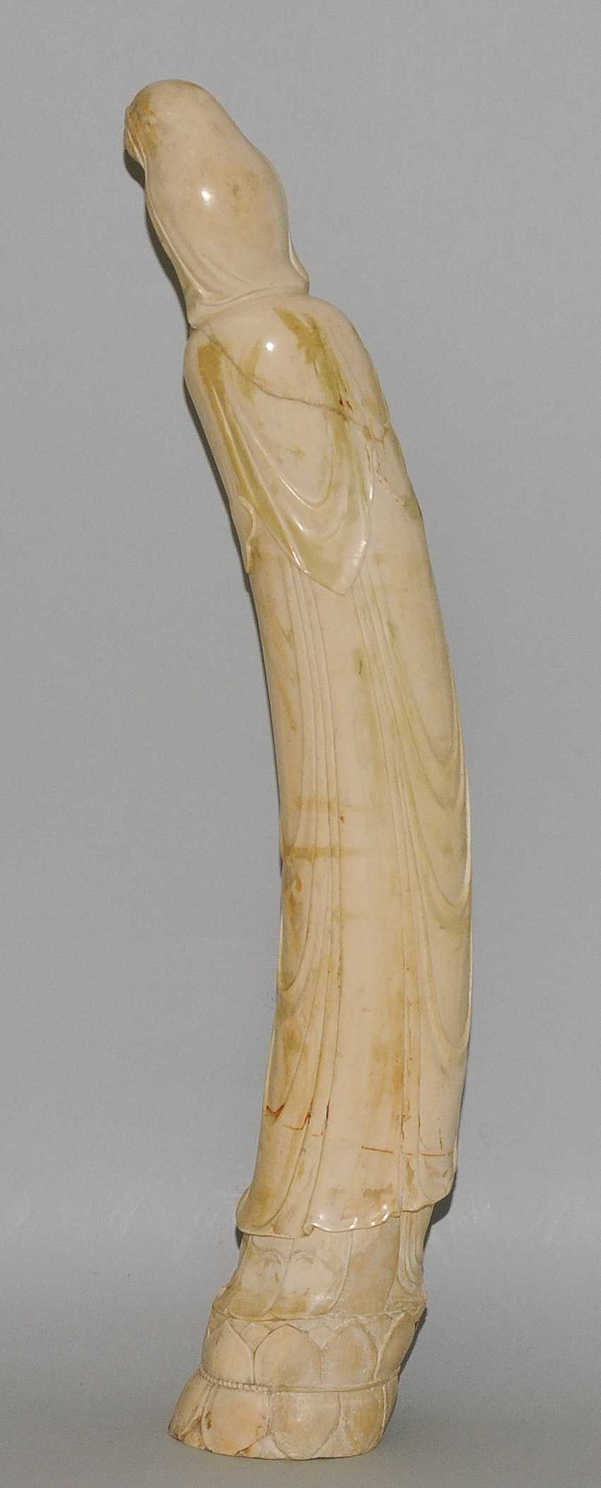 A Large Ivory Figure - photo 7