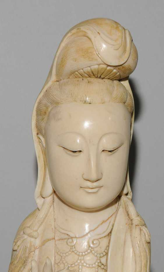A Large Ivory Figure - photo 11