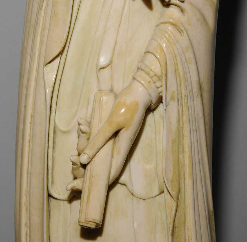 A Large Ivory Figure - photo 13
