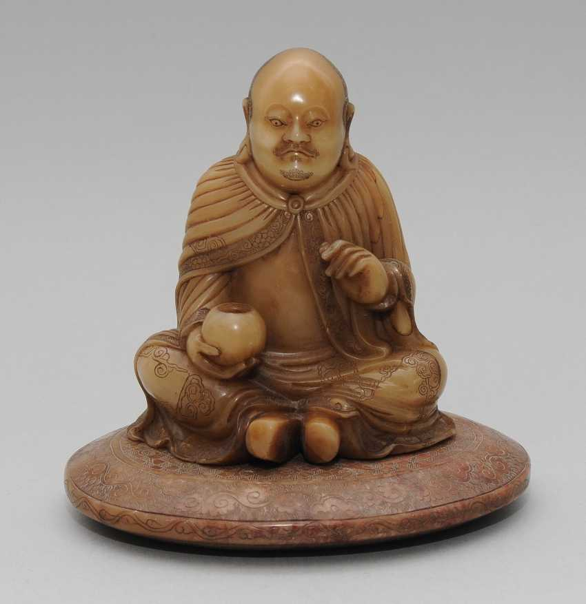 Seated Arhat - photo 2