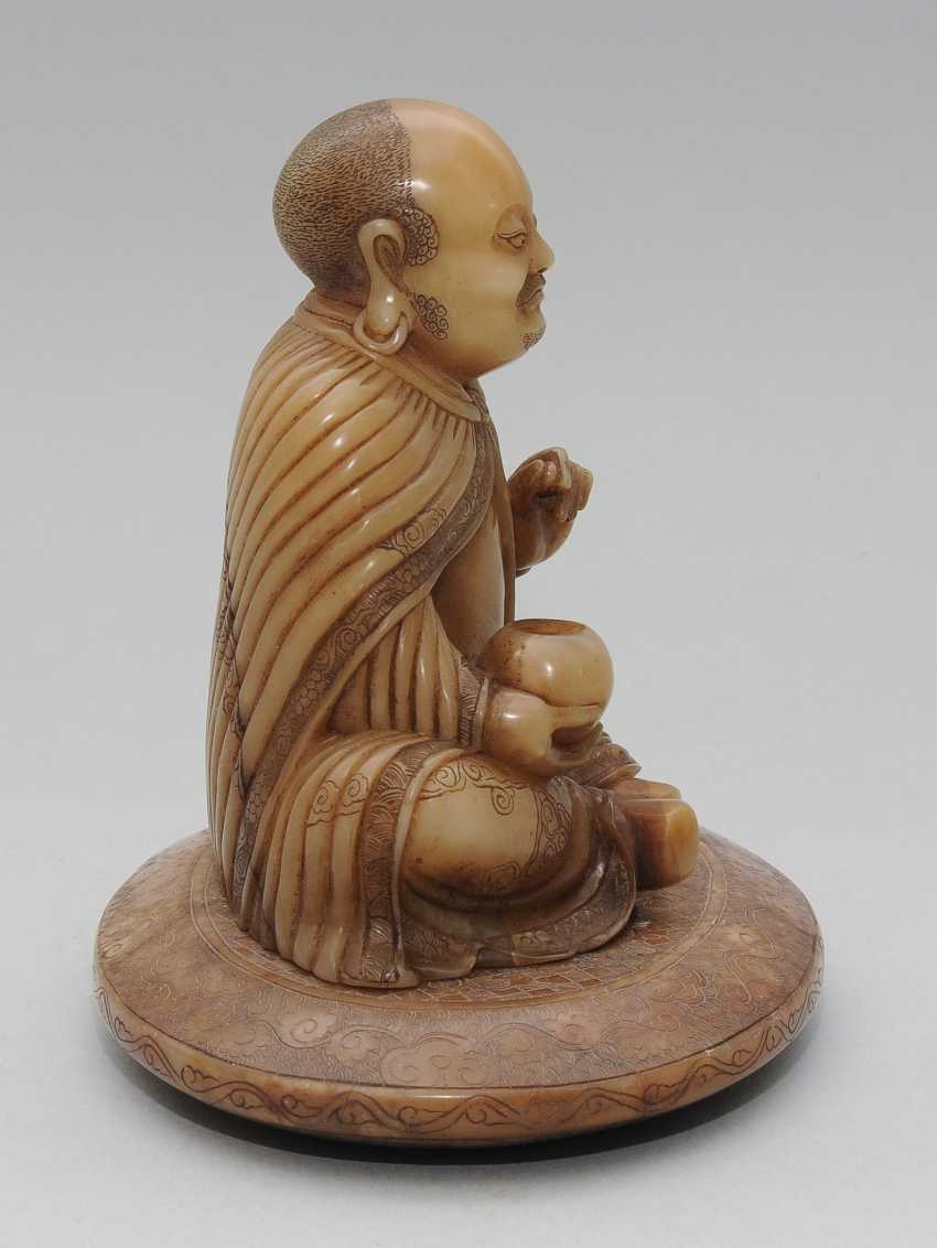 Seated Arhat - photo 6