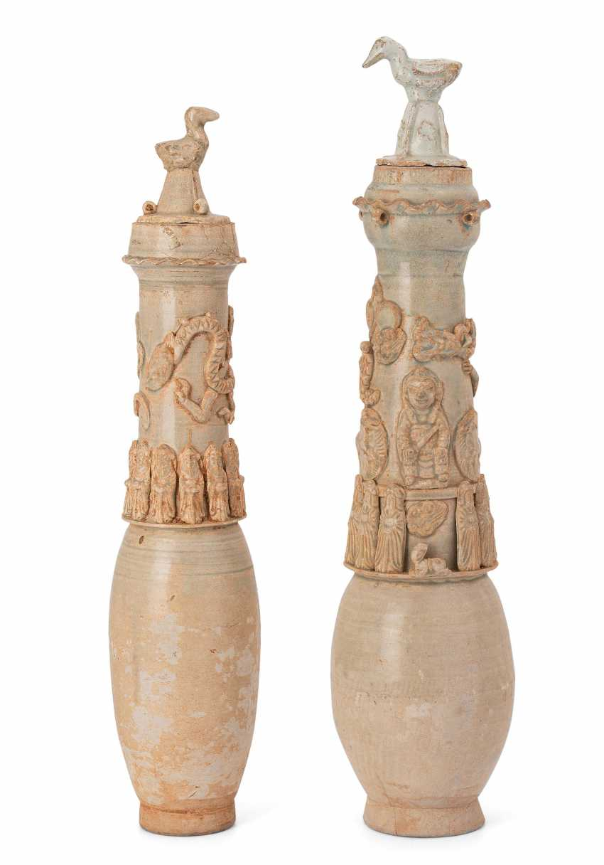 2 urn vessels - photo 1