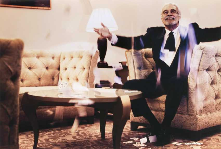 Omar Sharif, Throwing Cards - photo 1