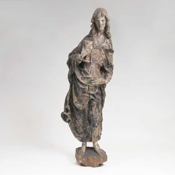 Spätgotische Figur 'Hl. Johannes Evangelist' - photo 1