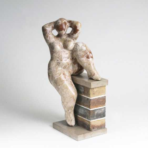 Figure 'woman with the feet on the wall' - photo 1