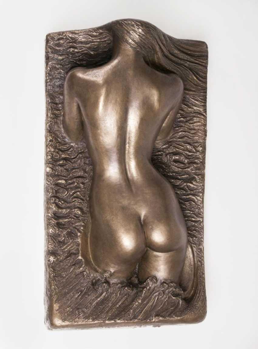 Relief 'Weiblicher Torso in Rückenansicht' - photo 1