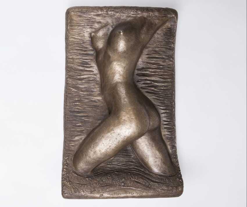 Relief 'Weiblicher Torso in Seitenansicht' - Foto 1