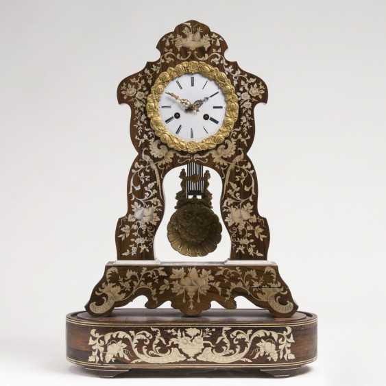 Napoleon III pendulum clock: with floral marquetry - photo 1