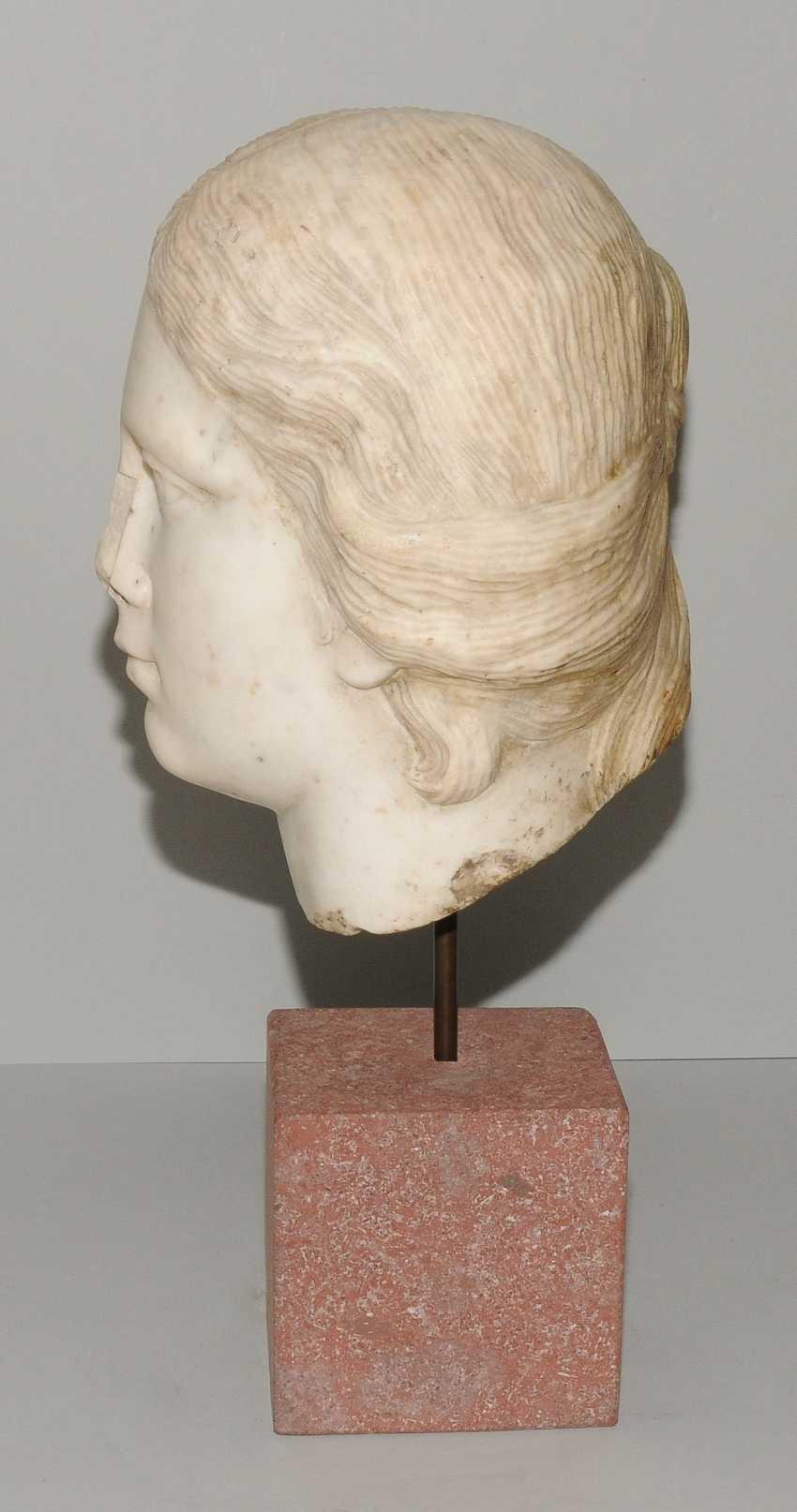 Woman's head - photo 3