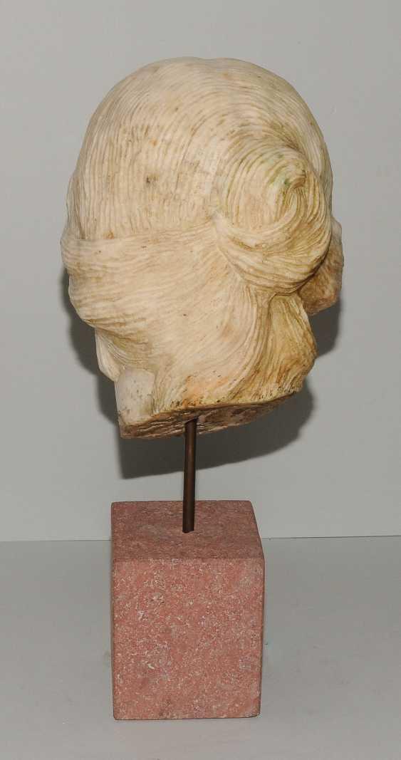 Woman's head - photo 4