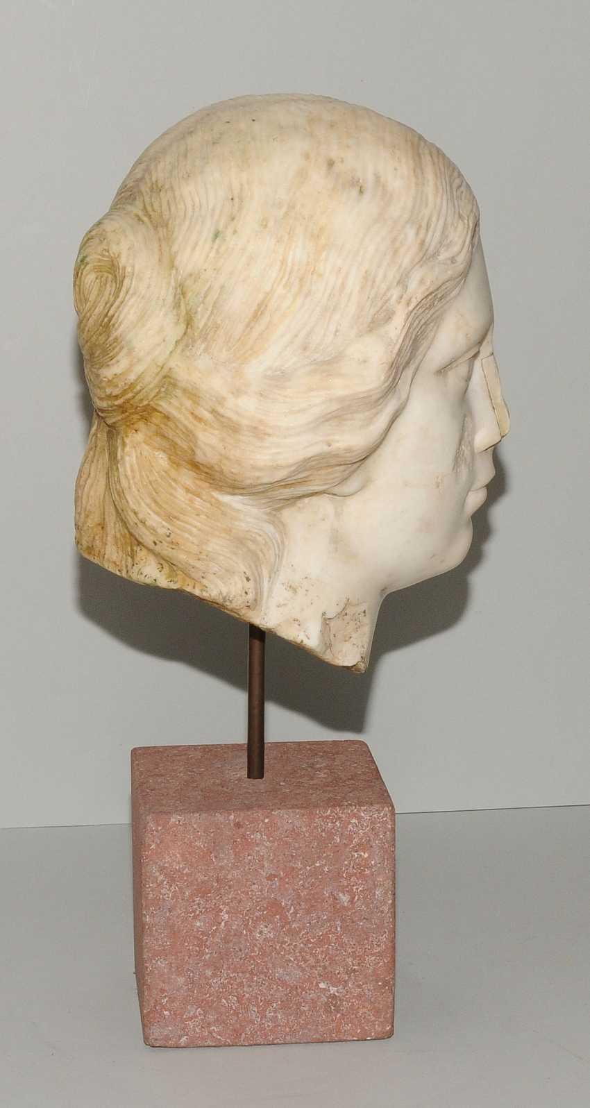 Woman's head - photo 5