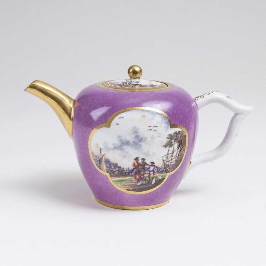 Teapot with fine Kauffahrtei-scenes - photo 1