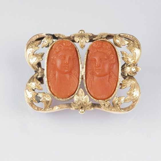Antique brooch with coral-carving - photo 1