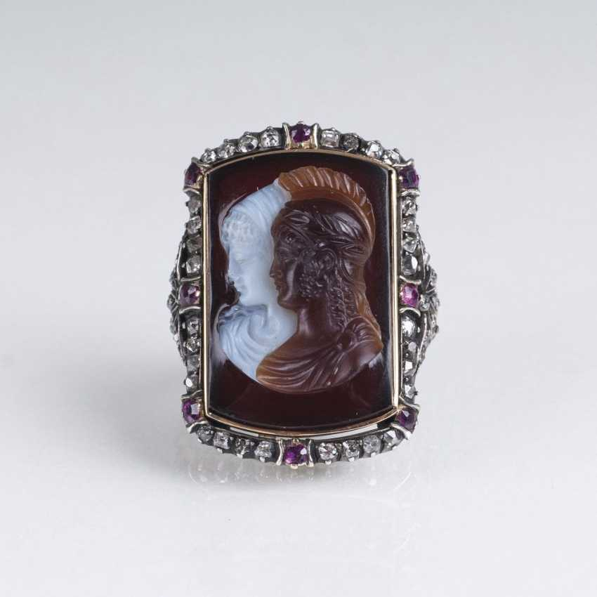 Antique Ring with two-tone cameo, and gem-trim - photo 1
