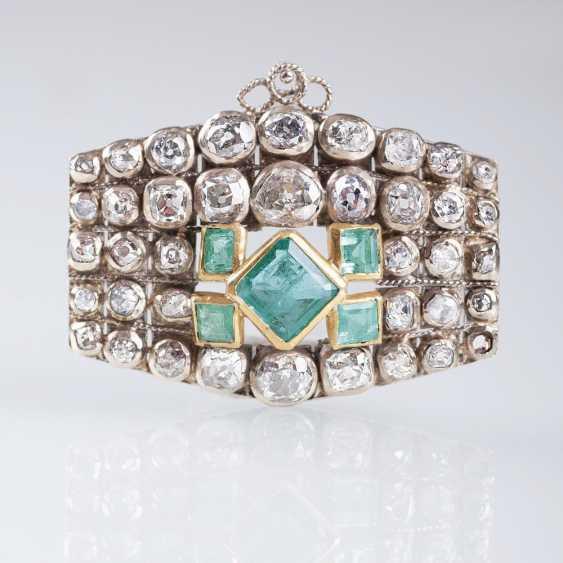 Emerald brooch with Georgian diamond trim - photo 1