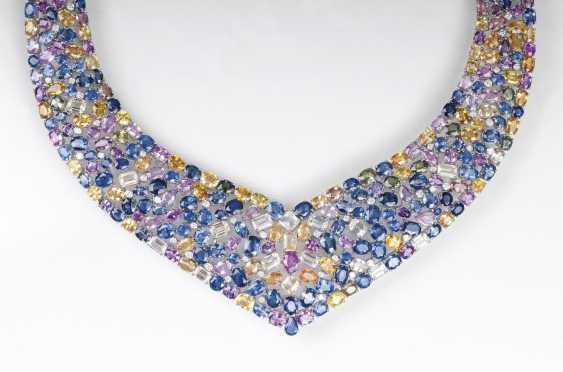 Color-brilliant and high-carat sapphire necklace with diamonds - photo 1