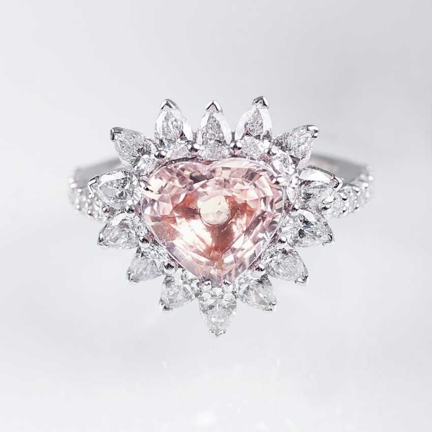 Exceptional, natural Madagascar Pink sapphire Ring cut in the heart - photo 1