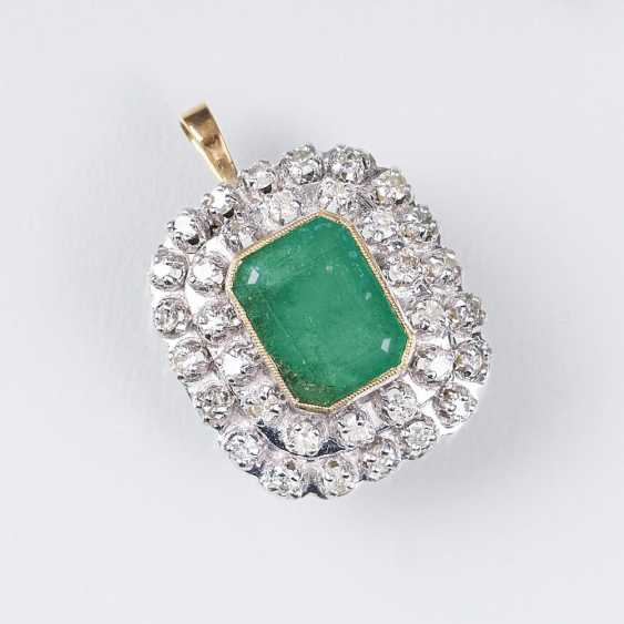 Emerald And Diamond Pendant - photo 1