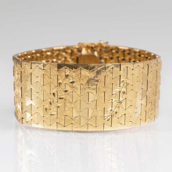 Vintage Gold bracelet with engraving decor - photo 1