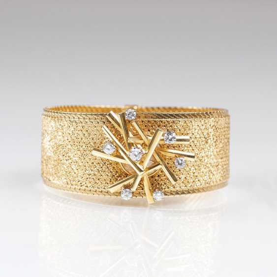 Vintage jewelry wrist watch with brilliant trim - photo 1
