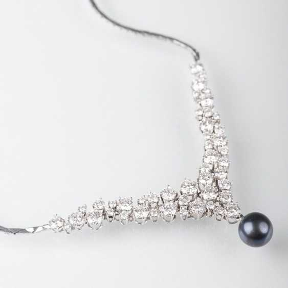 Brilliant necklace with Tahitian pearl - photo 1