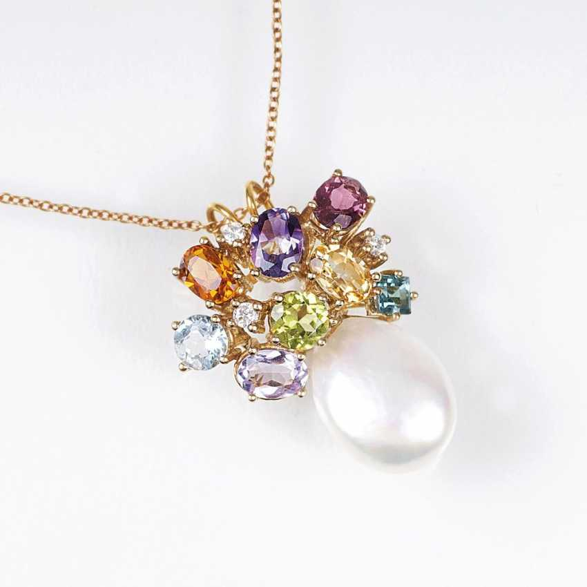 Color stone pendant with pearl on chain - photo 1