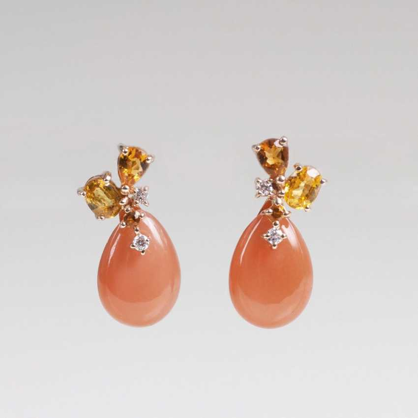 Pair of moonstone earrings with yellow sapphires - photo 1