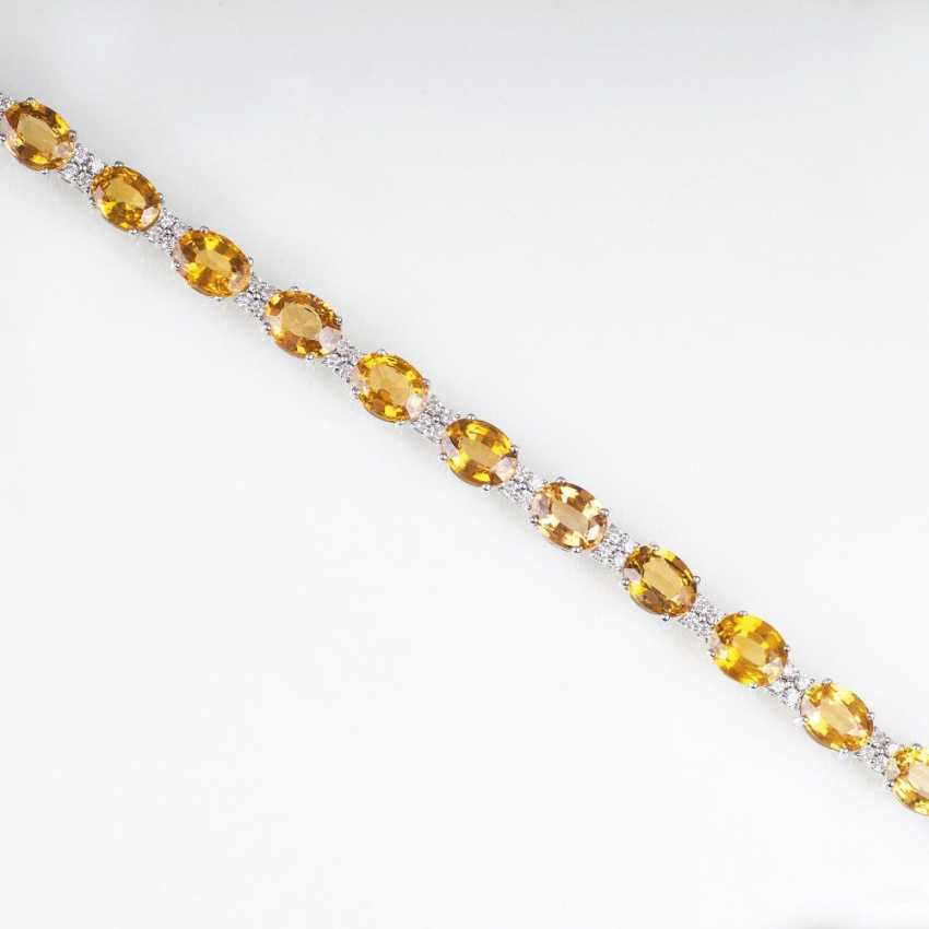 Bracelet with yellow sapphires and brilliant-cut diamonds - photo 1