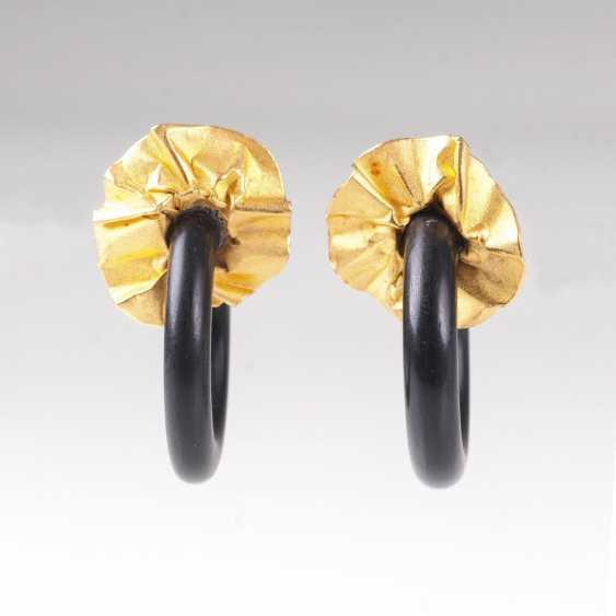Pair of wooden Hoop earrings gold earring - photo 1