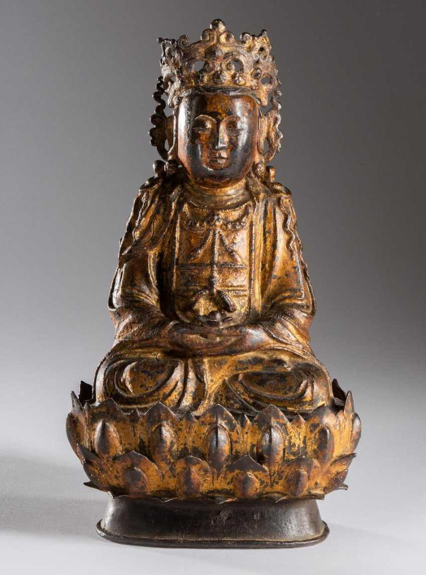 Great Guanyin Buddha Figure - photo 1