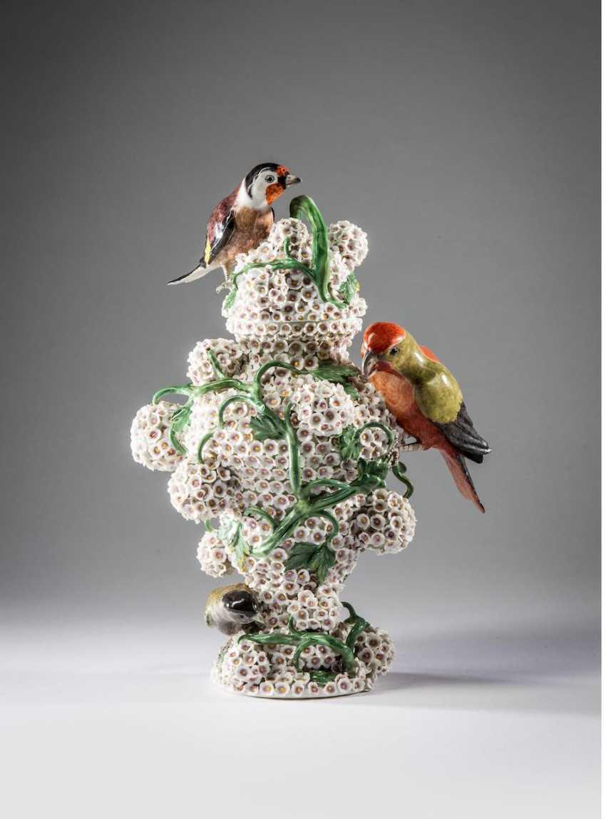 "Meissen ""Snowball"" Lidded Vase - photo 1"