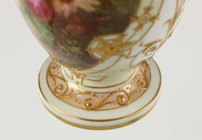 Small Ornamental Vase - photo 4