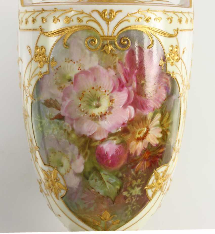 Small Ornamental Vase - photo 6