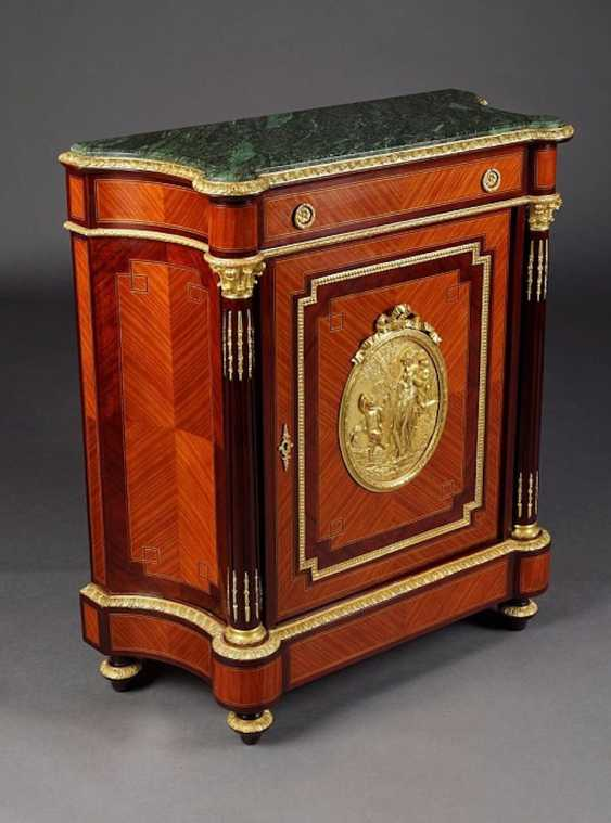Cabinet in the style of Louis XV. - photo 1