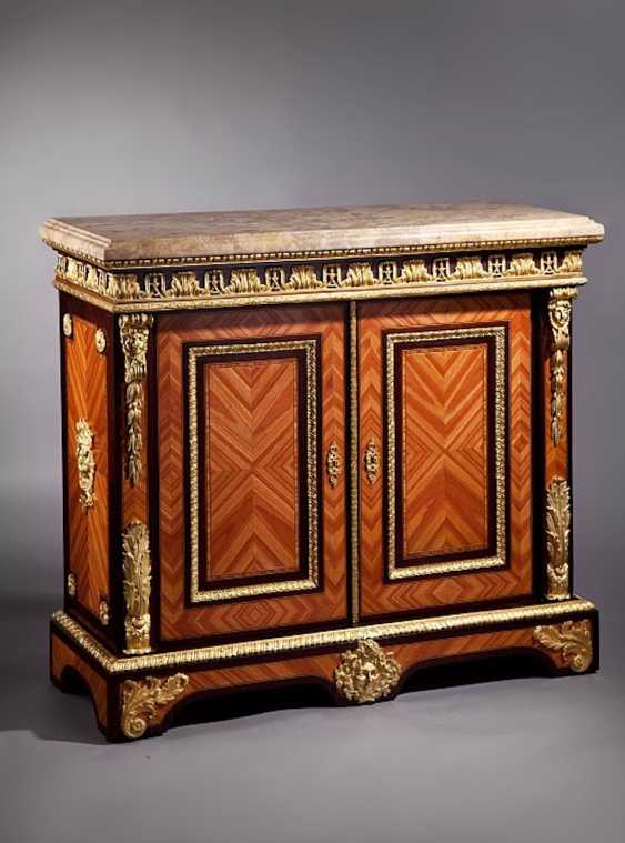 Cabinet in the style of Louis XV., - photo 1