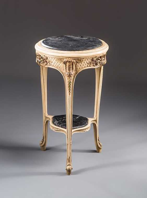 French Side Table. - photo 1