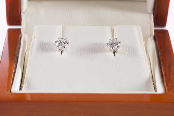 Pair Of Earrings, - photo 1
