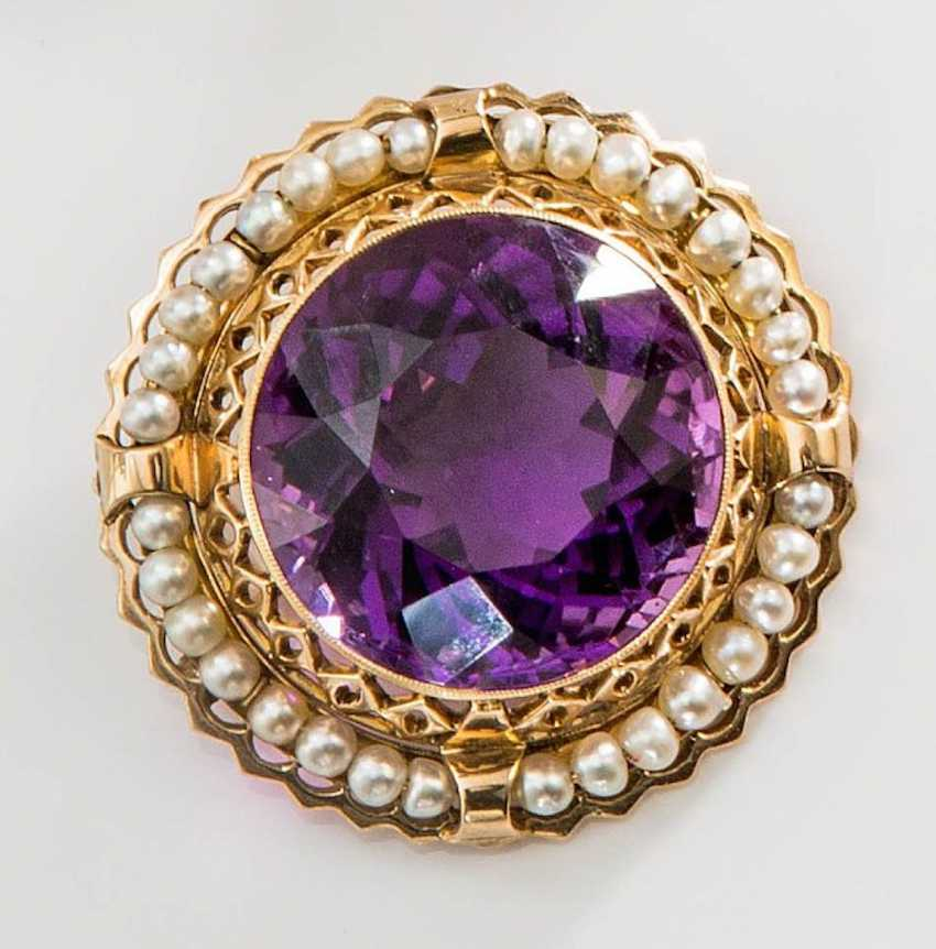 Brooch with Amethyst and pearls, - photo 1