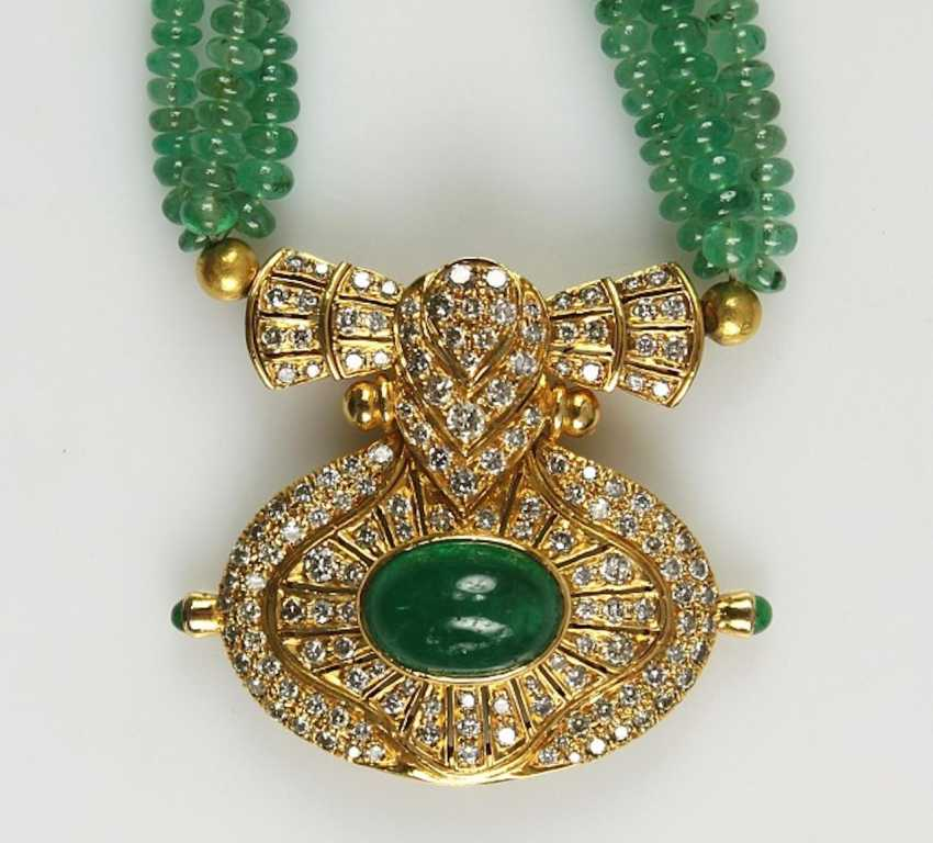 Necklace with emeralds and diamonds, - photo 1