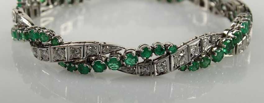 Bracelet with diamonds and emeralds, - photo 1