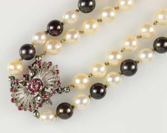 Pearl necklace - photo 2